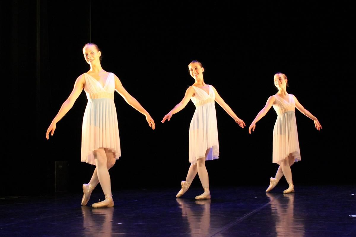 estavayer-le-lac-ballet-filles
